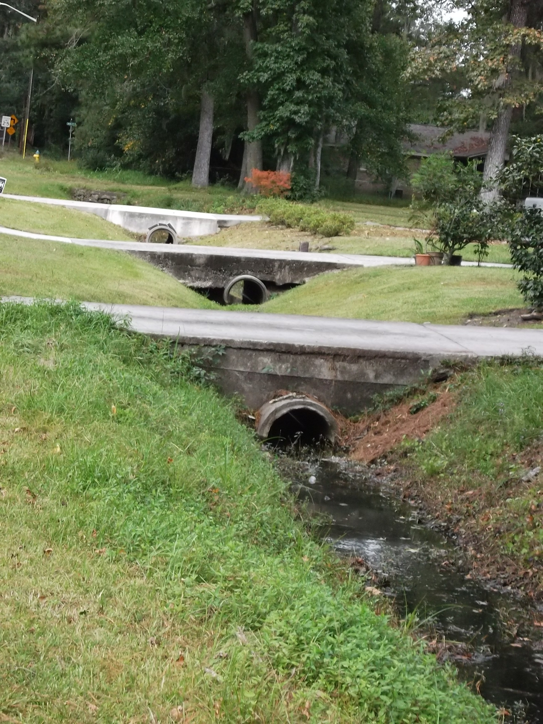 Clean pipes and ditches allow strom water to flow.