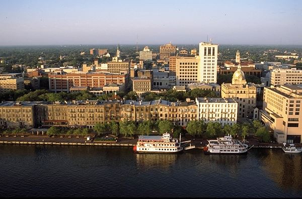 Savannah_Historic_District_Skyline.web