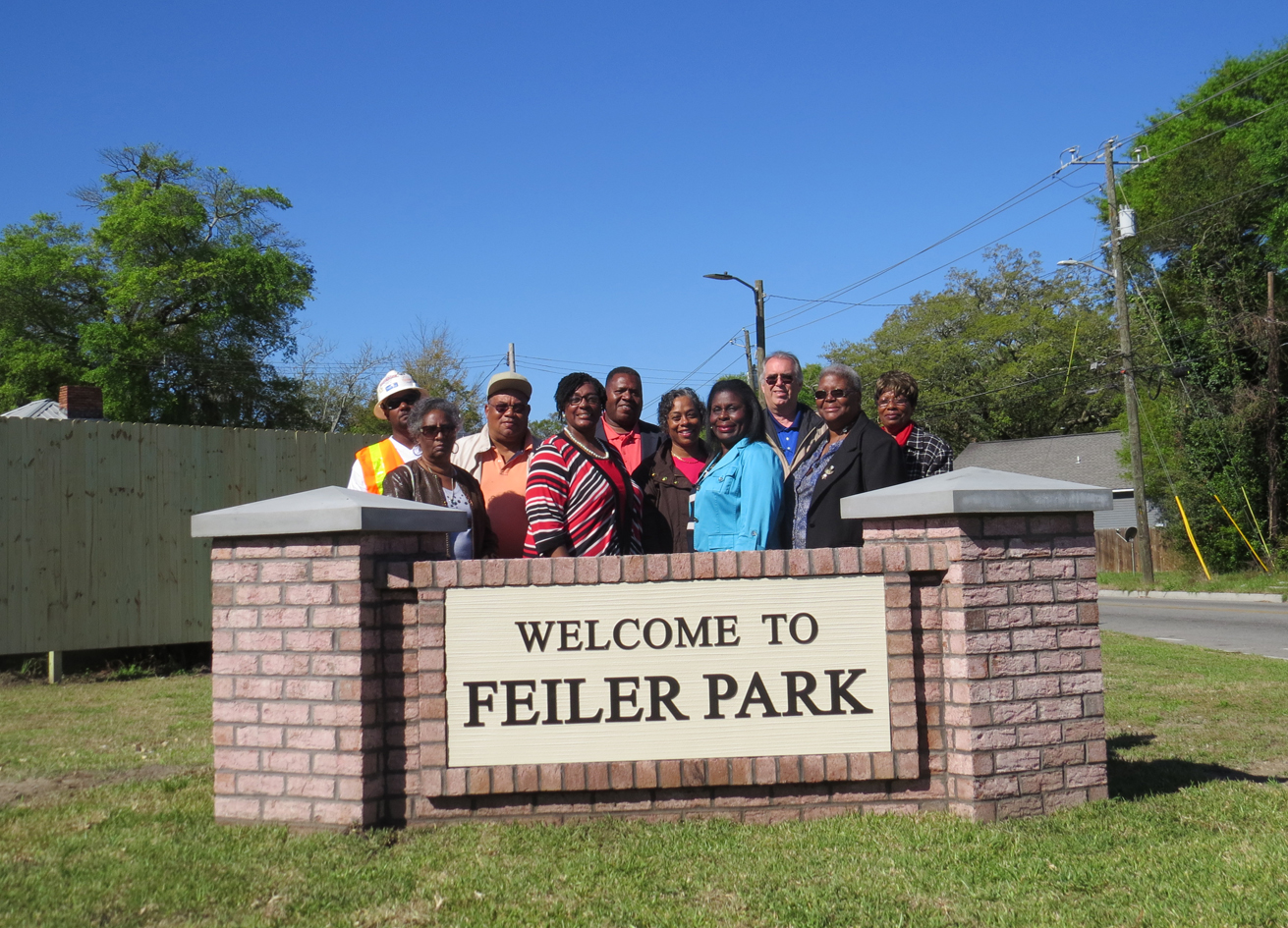 Feiler Park Welcome Sign Unveiling 04042016.jpg