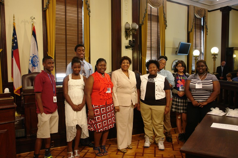 Moses Jackson Students and Mayor Jackson