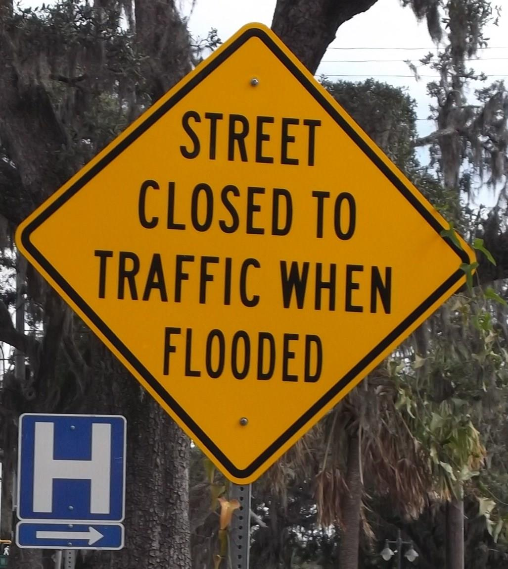 Street Closed when Flooded and H signs detail_thumb.jpg